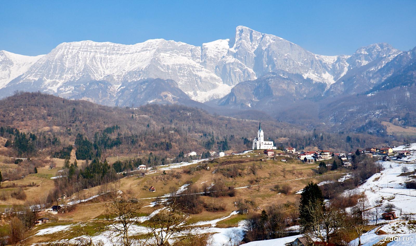 Вид на Drznice и гору Krn