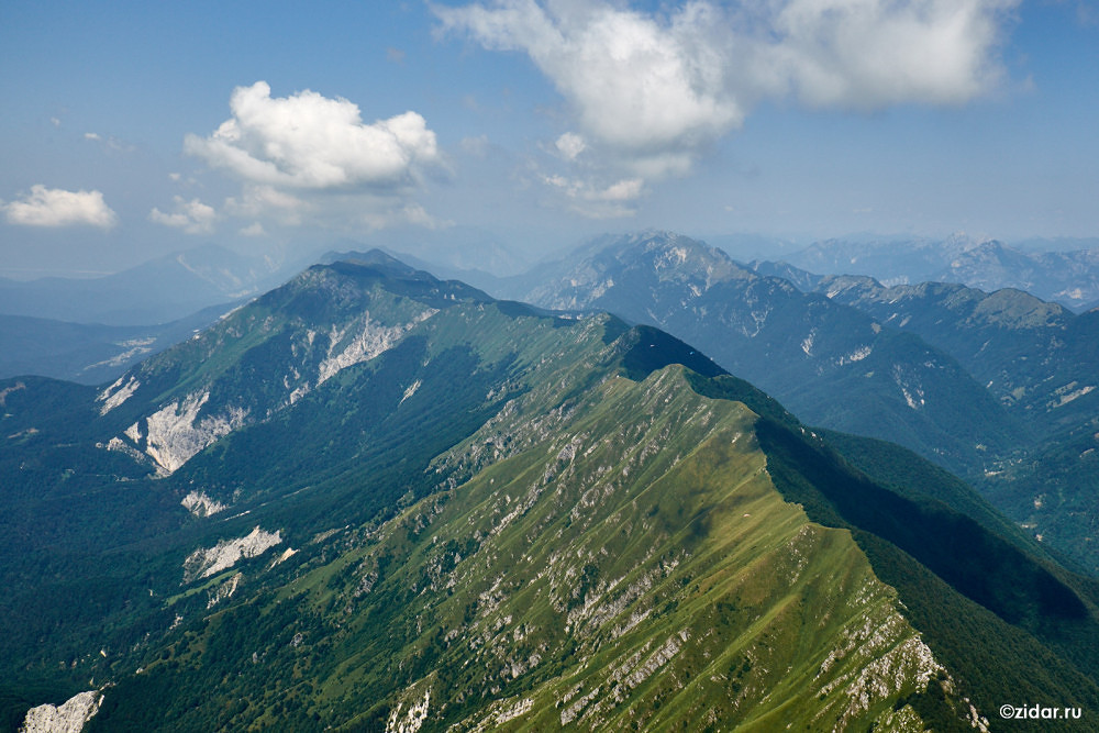 Вид на хребет Стол в сторону Италии