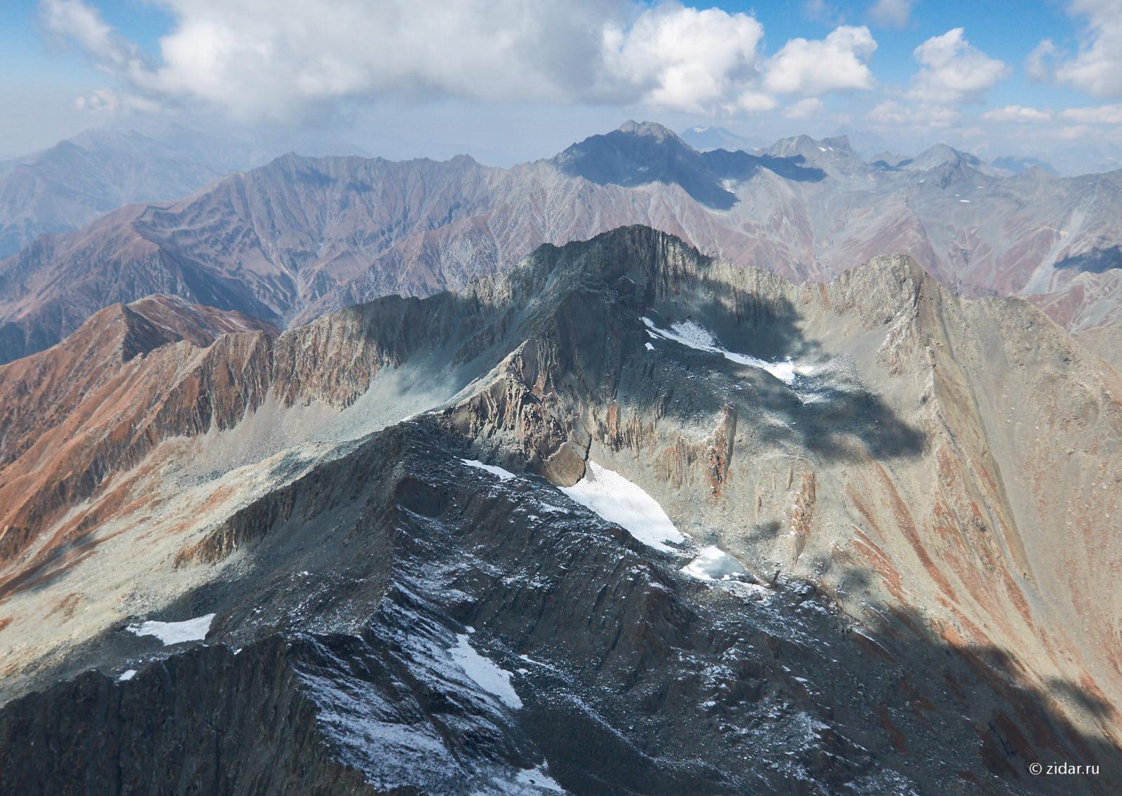 Взгляд на запад - в сторону вершины Тамсар